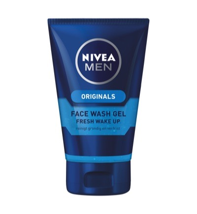 Men deep clean face wash